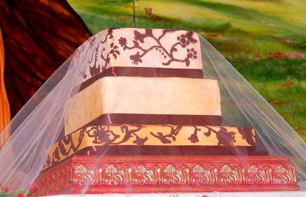 This 3 tier vegetarian wedding cake was displayed and served in a Hindu