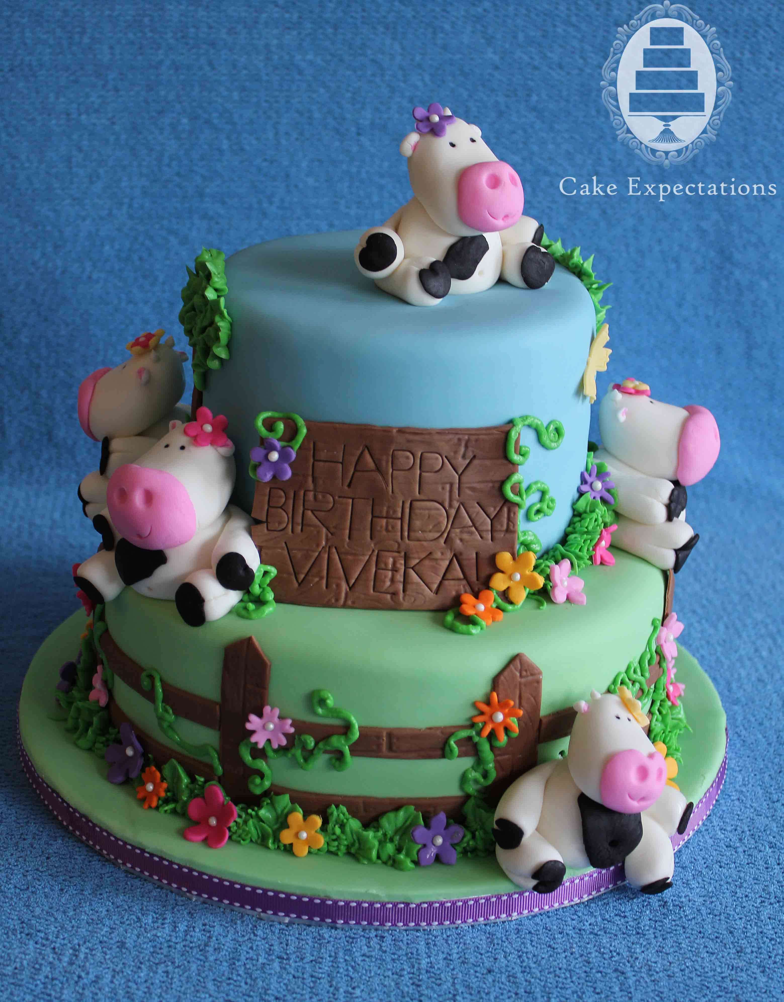 Easy Cow Cake Design : Cake Expectations   www.cakeexpectations.ca   Blog Archive ...